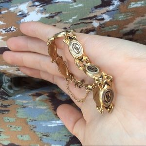 Vintage Jewelry - Golden Fish Aquarius Vintage Bracelet